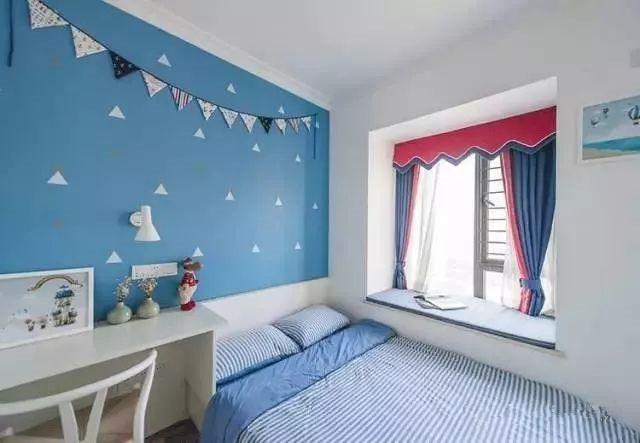 儿童房的布置以蓝色海洋风为主,营造大海般的趣味空间.